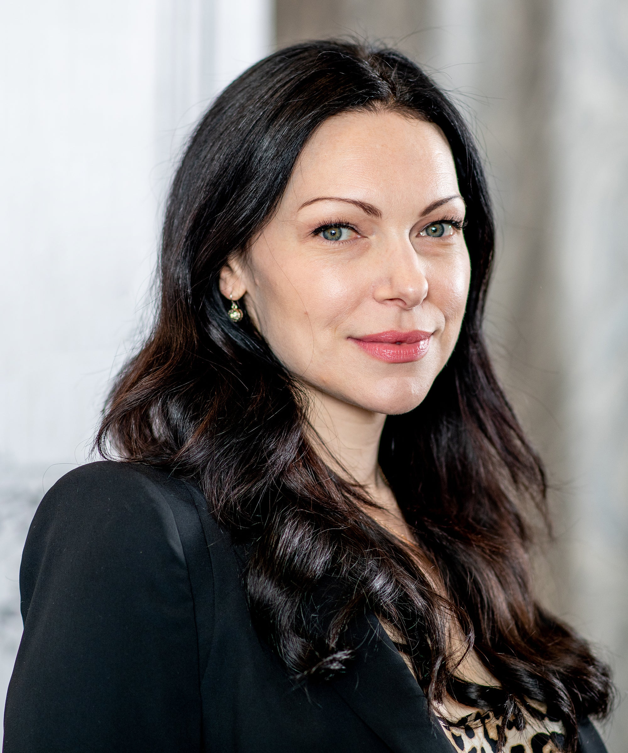 Laura Prepon Opens Up About Family Pressure Bulimia