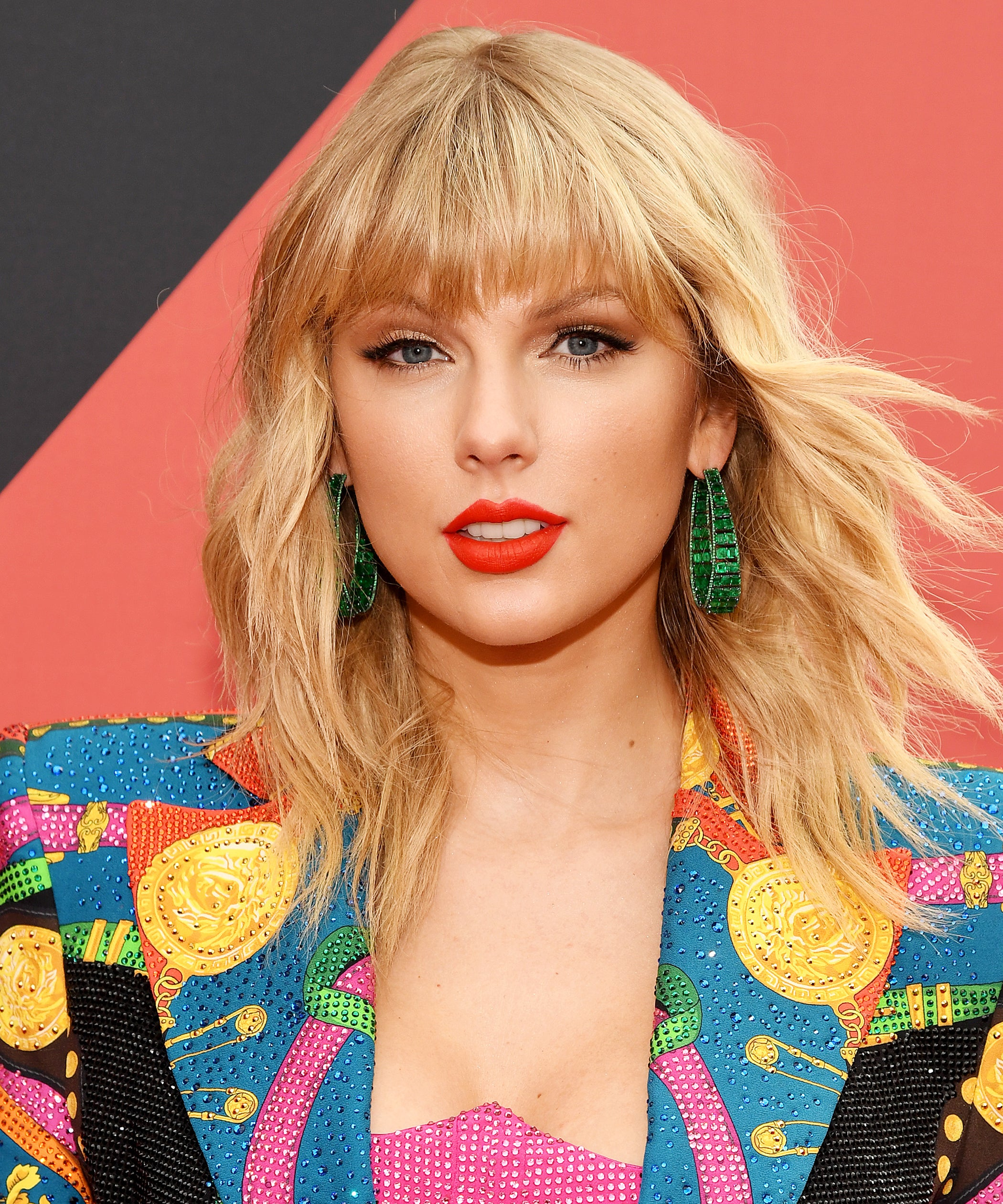 Taylor Swift Dyes Hair Pastel Pink Blue In Quarantine