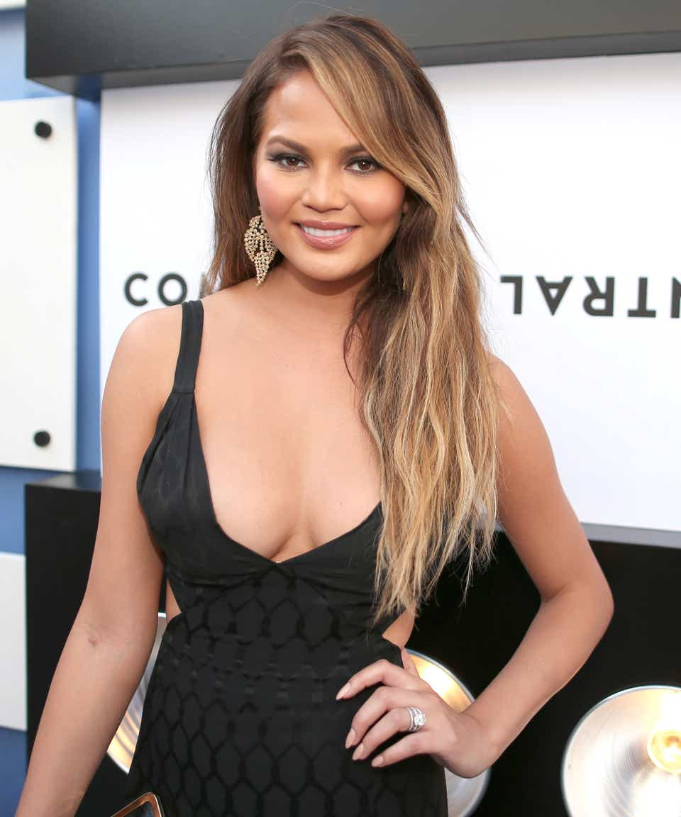 Celebs With Removed Breast Implants Like Chrissy Teigen