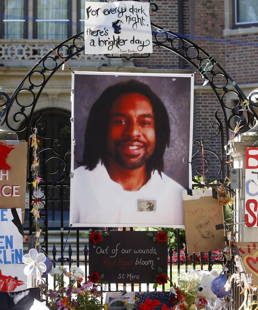 Philando Castile & Alton Sterling's Killings Show An Indifferent System For Black Gun Owners