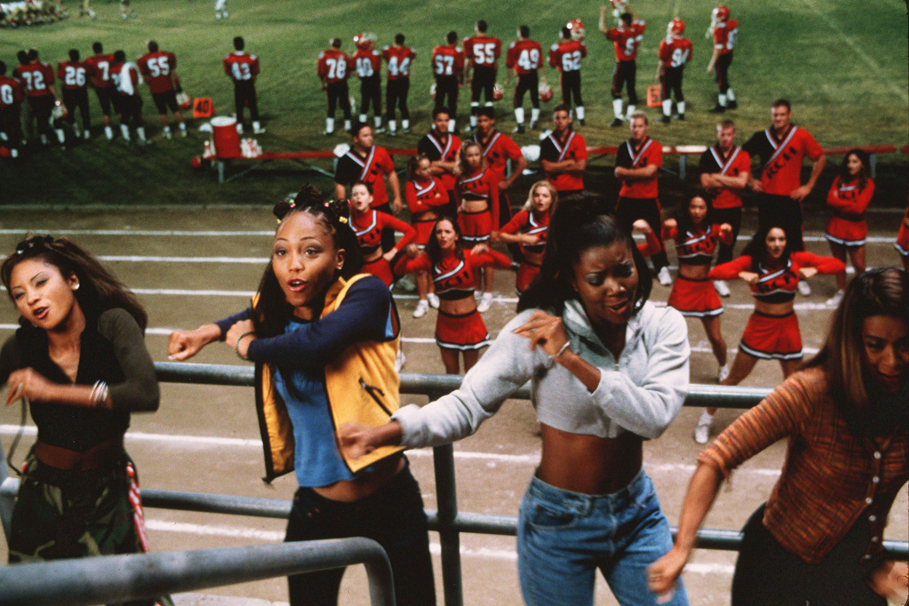 20 Years Later, Bring It On Costumes Are Iconic Fashion