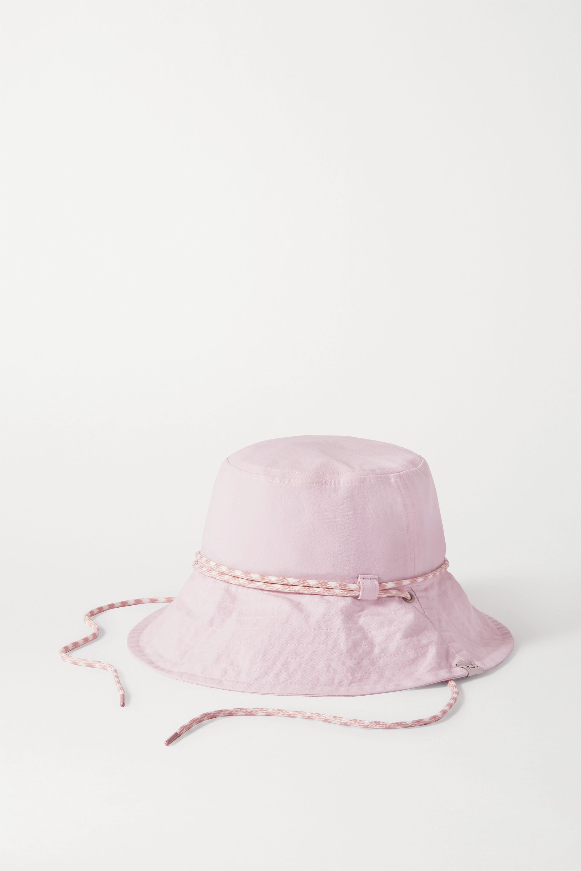 How To Wear A Bucket Hat Celebrity Outfit Inspiration